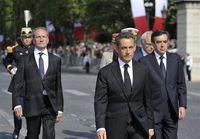 Nicolas-sarkozy-suivi-du-ministre-de-la-defense-gerard-longuet-et-du-premier-ministre-francois-fi