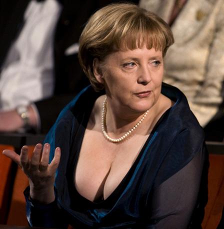 Merkel_reuters_121383a