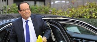 2414225_hollande-voiture_640x280